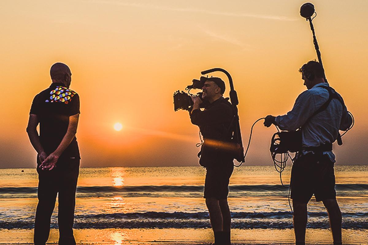 Brama filmar och skriver innehåll till olika samarbetspartners.